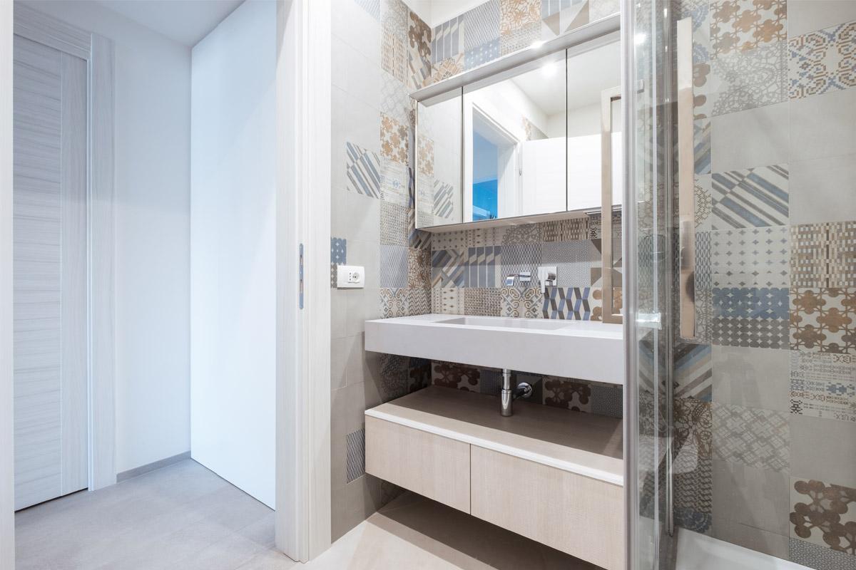 Casa Colli Anieni - 2016 - Bagno - Azulej grigio by Mutina