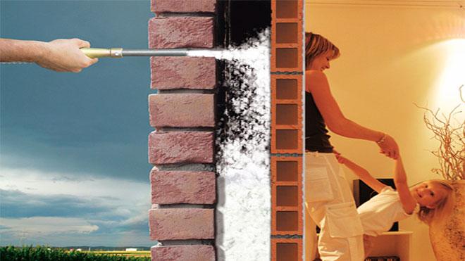 Isolamento termico di una parete con insufflaggio